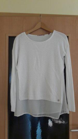 leichter Pullover mit angenähtem Blusenstoff