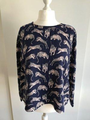 Leichter Pullover mit Tigerprint
