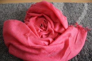 Leichter Schal für kühlere Abende