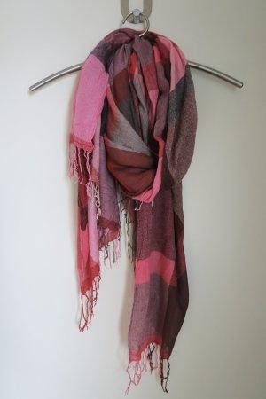 Leichter Schal für Übergangstage