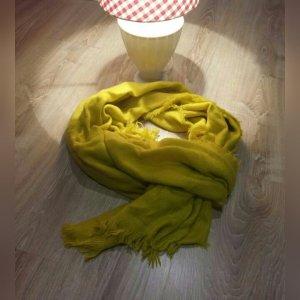 leichter Schal in grün/gelb