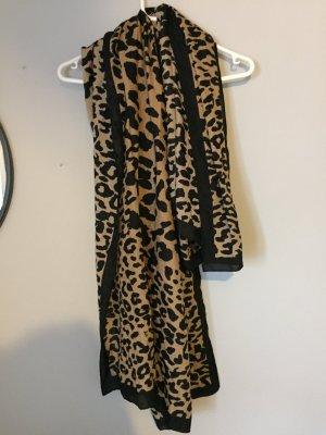 Leichter Schal mit Muster