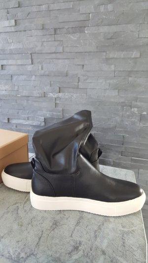 Leichter Sneaker Stiefel von Benetton