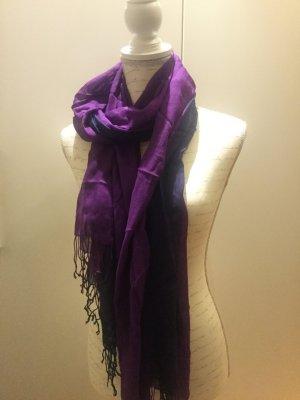 Leichter weicher Schal in lila blau