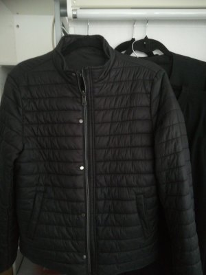 Guess Quilted Jacket black