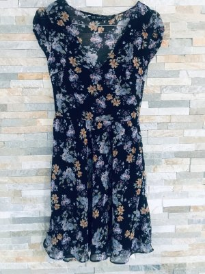 Leichtes Blumenkleid von Zara Trafaluc in xs