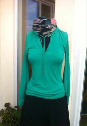 leichtes, grünes Shirt von Zara Collection