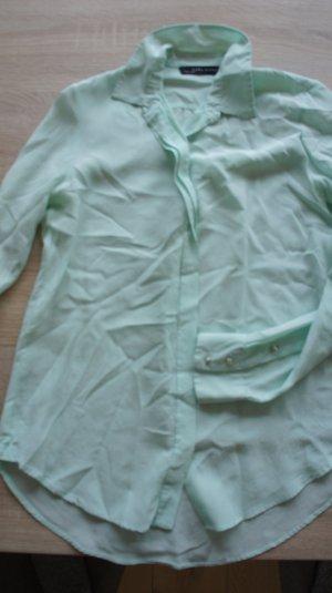 Leichtes Hemd mit Details am Ärmel