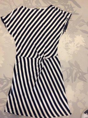 Leichtes Jerseykleid mit Knoten-Raffung vorne