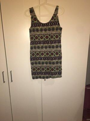 Leichtes Kleid.