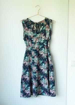 leichtes Kleid mit Schleifendetail im Nacken von Yessica Dresses C&A 38 gepunktet geblümt S M
