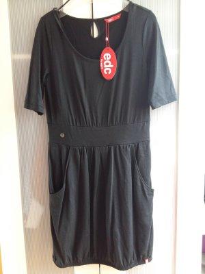 Leichtes Kleid mit Taillenband und Gummizugsaum Gr. M
