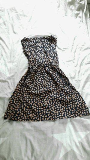 Leichtes Kleid von Apricot