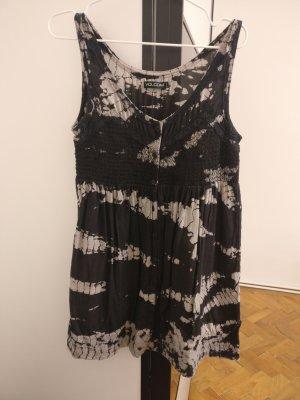 Leichtes Kleid von Volcom im Batik Look aus Viskose