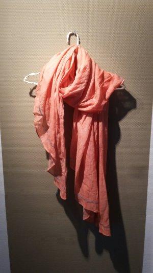 Leichtes orangenes Tuch
