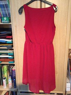 Leichtes rotes Sommerkleid