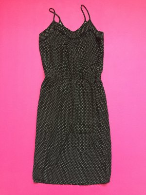 Leichtes, schwarzes Kleid mit weißen Punkten
