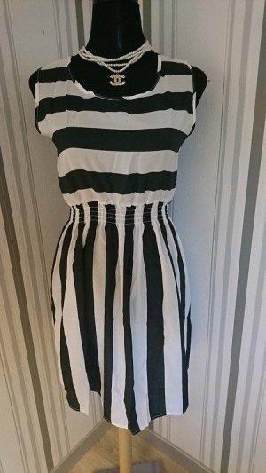 Robe de plage blanc-noir tissu mixte