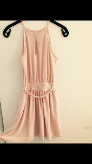 Leichtes Sommerkleid in Rosé