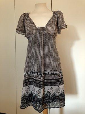 Leichtes Sommerkleid mit Muster