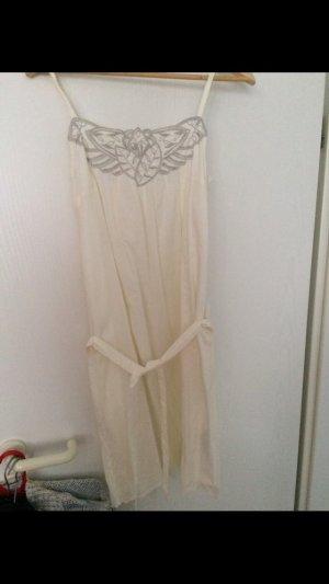 Leichtes Sommerkleid mit Unterkleid