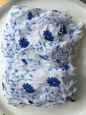 Leichtes Tuch in Blautönen