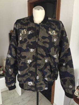 Outdoor jack khaki-zwart