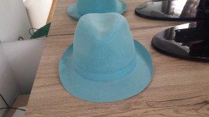 Sombrero azul claro