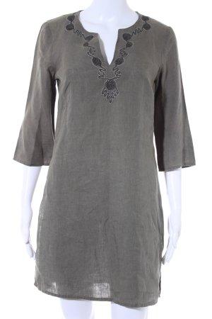 Blusa de lino caqui estilo vintage