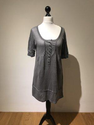 0039 Italy Robe gris