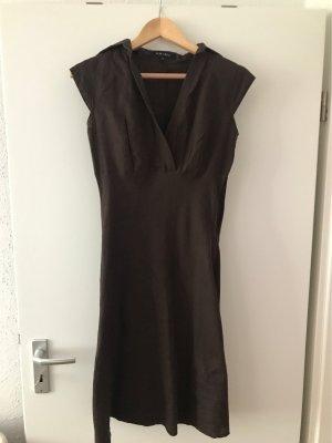 Amisu Vestido de manga corta marrón-marrón oscuro