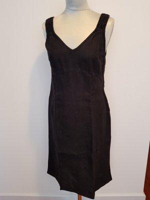 Backstage Off-The-Shoulder Dress black linen