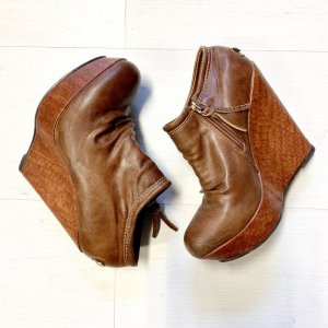 Chaussure à talons carrés brun-cognac