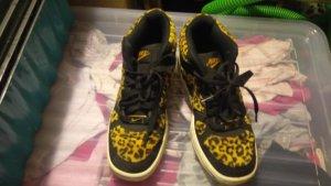 Leoparden Schuhe von Nike