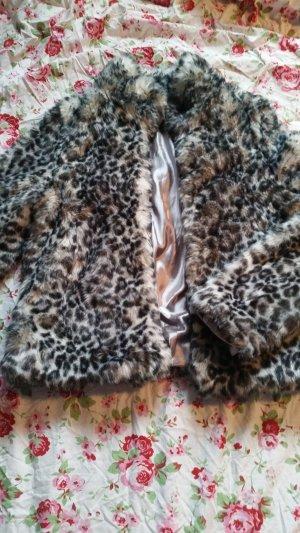 Leopardgemusterte Kunstfelljacke