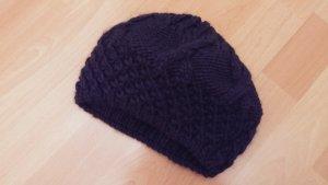 Chapeau en tricot bleu foncé laine alpaga