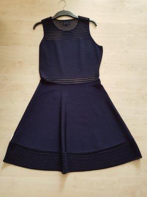 letzte Reduzierung - Kleid mit raffinierten cut outs von BCBG Max Azria