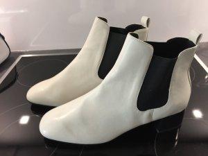 LETZTER PREIS.     Boots ankle weis schwarz NEU ungetragen Gr. 41