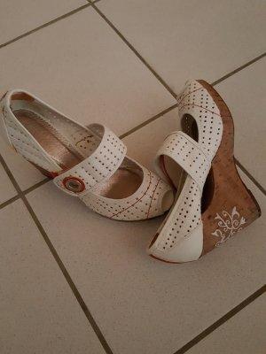 Letzter Preis!!!!Bullboxer Schuhe mit Ornamenten