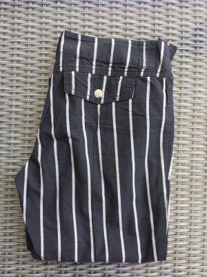 Pantalon capri noir-blanc