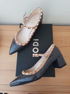 Letzter Preis Lodi Pumps im Valentino Style Lackleder Gr. 39