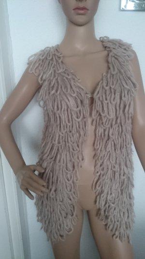 LETZTER PREIS!!! * SCHNÄPPCHEN!!! * Superschöne nude/puderfarbene Strickweste mit Schlaufen mit 25% Mohairanteil *