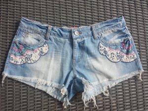*Letzter Preis* Shorts mit Stickereien an den Taschen