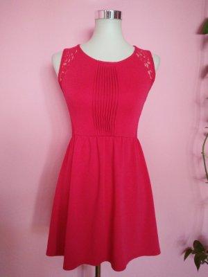 *Letzter Preis* Spitzenkleid in pink/magenta (K1)