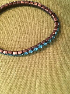 Leuchtend blaues Armband