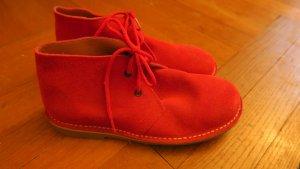 Leuchtend rote Rauleder Boots, Desert Boots, Stiefel, Stiefeletten