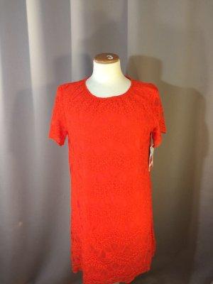Leuchtend rotes Kleid von Zara