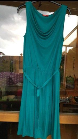 leuchtend türkisenes Kleid mit Wasserfallausschnitt