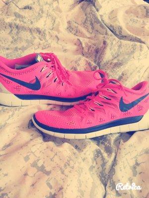 Leuchtende Nike Free 5.0 Schuhe