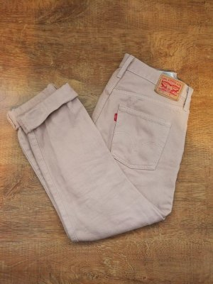 Levi's 501 Mom-Jeans in 26x32, puderrosa